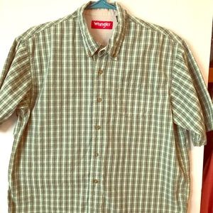 Other - Wrangler short-sleeved green plaid shirt